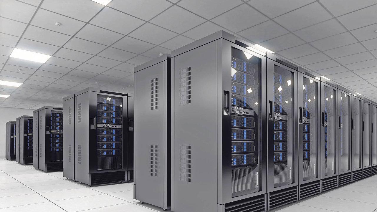 Zabezpečení velkých datových center je na špičkové úrovni, využívá nejmodernějších technologií, služeb špičkových odborníků a investic, kterým jednotliví uživatelé mohou je stěží konkurovat.