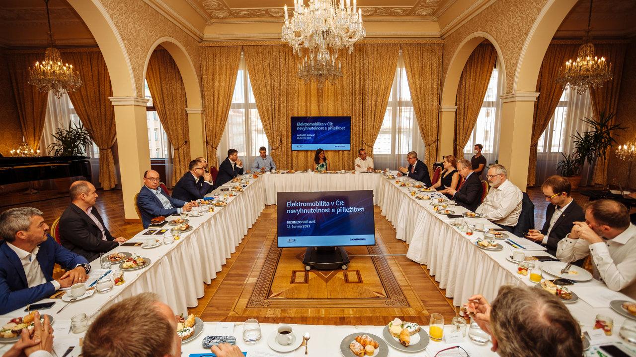 Pracovní snídaně navazující na konferenci Elektromobilita proběhla v pátek 18. června.