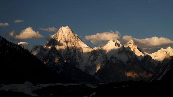 Do hor s pr�vodcem a GPS. Nep�l po ne�t�st� u Annapurny zavede nov� pravidla