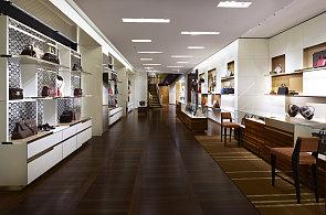 Louis Vuitton otevřel ve Vídni třípatrový obchod. Kdy se podobného dočká i Praha?