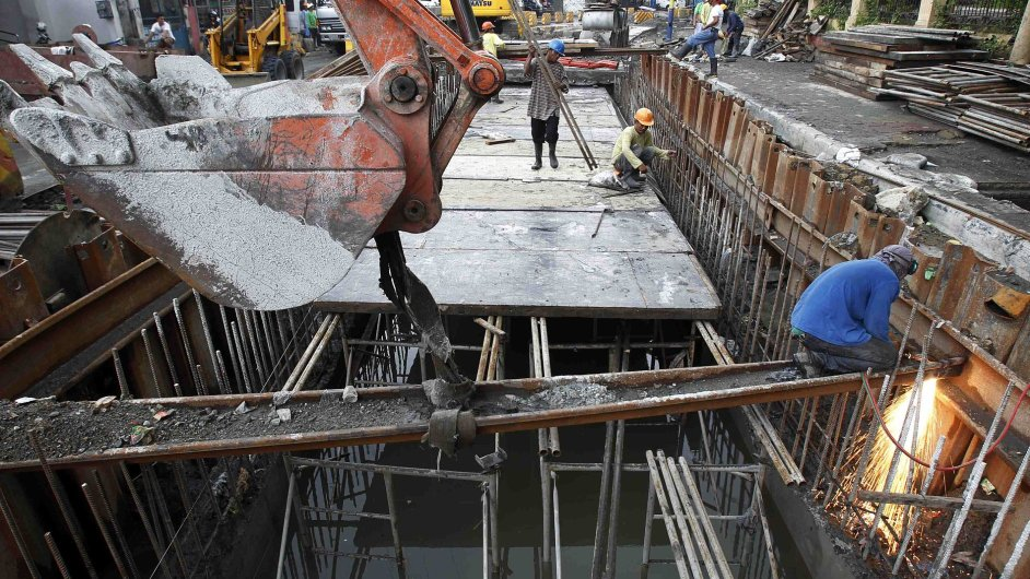 Konstrukční práce v ulicích Manily, ilustrační foto