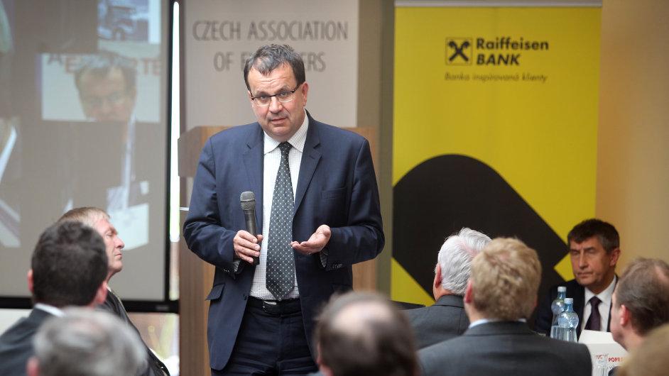 Ministr průmyslu Jan Mládek na 12. exportním fóru