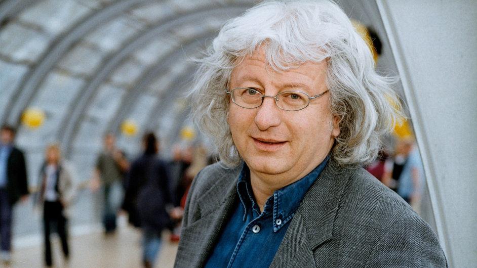 O Bohumilu Hrabalovi na Světu knihy debatoval spisovatel Péter Esterházy.