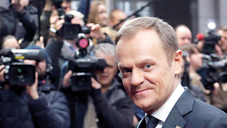 """Stále častěji se v novinových komentářích objevuje motiv """"atentátu na stát"""", který zvolil premiér Tusk jako obranu"""