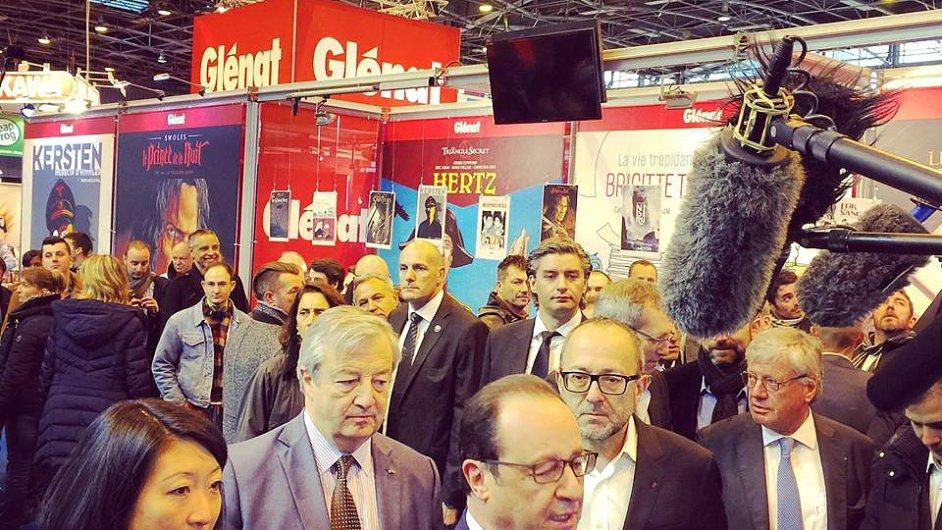 Francouzský prezident Francois Hollande na veletrhu v Paříži