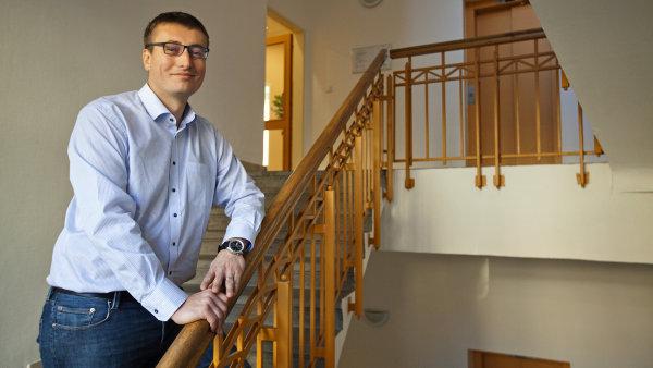 ��fem i majitelem spole�nosti Simplity je Petr Mahdal��ek.