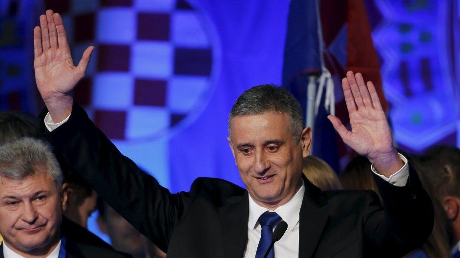 Lídra vítězne Vlastenecké koalice Tomislava Karamarka čekají náročné týdny. Strana hledá koaličního partnera.