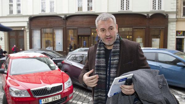 Podnikatel Petr Sis�k je jedn�m z dvojice, pro kterou st�tn� zastupitelstv� navrhlo vazbu.