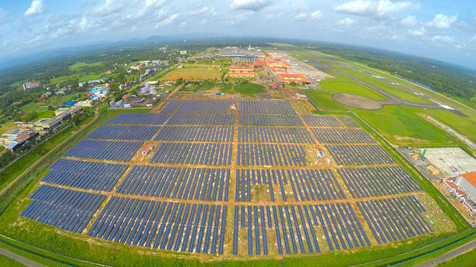 Letiště na solární pohon v indickém městě Cochin už nemusí platit za elektřinu.