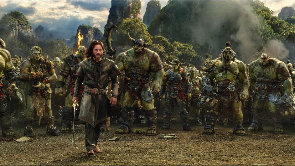 Režisér Duncan Jones sfilmem Warcraft potěšil fanoušky, méně už kritiky.