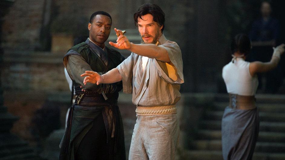 Snímek Doctor Strange tuzemská kina promítají již druhý víkend, premiéru měl 27. října.