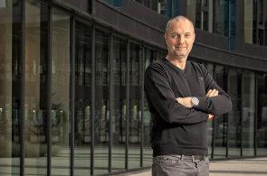 Nic dokonalejšího než bílý papír neexistuje, říká Jiří Antoš, člen představenstva Sberbank CZ
