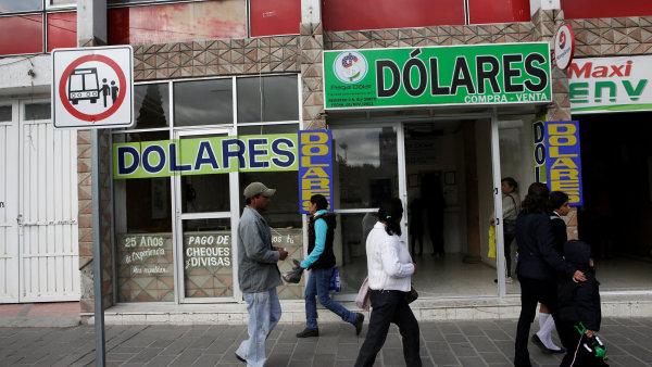 Peníze od příbuzných žijících v USA jsou pro některé Mexičany hlavním zdrojem příjmů - Ilustrační foto.