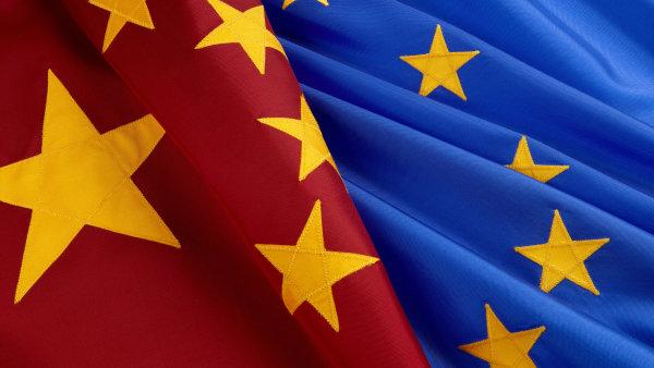 EU kritizuje plány Číny.