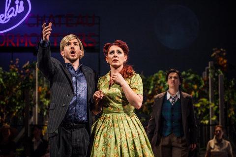 Snímek ze zkoušek inscenace Rossiniho opery Hrabě Ory.