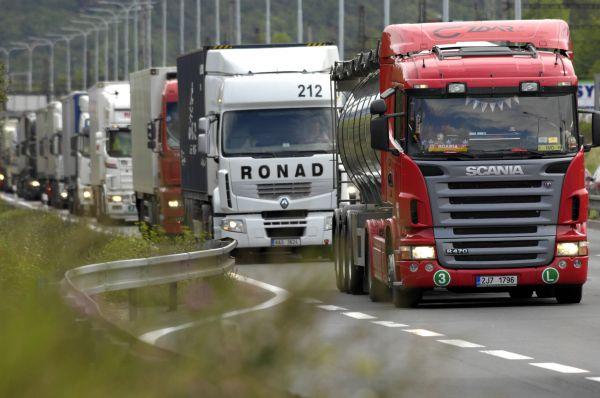 Do Evropské unie se tlačí kamionoví dopravci z východu - Ilustrační foto.