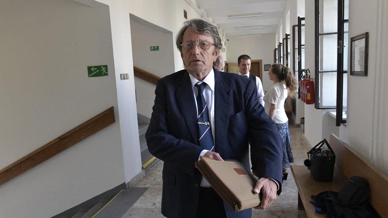 Bývalému šéfovi kladenských hutí Stehlíkovi díky amnestii trest nehrozí.