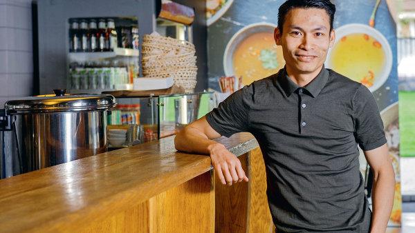 Šéf sítě bister Banh-mi-ba Hung Le