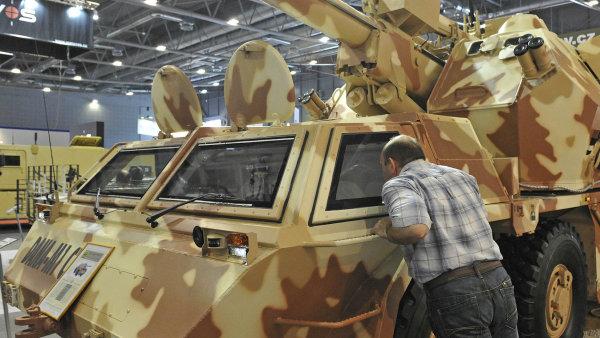 Modernizovaná samohybná houfnice Dana-M1 se objevila v Ázerbájdžánu. Snímek pochází z veletrhu IDET v Brně z roku 2011.