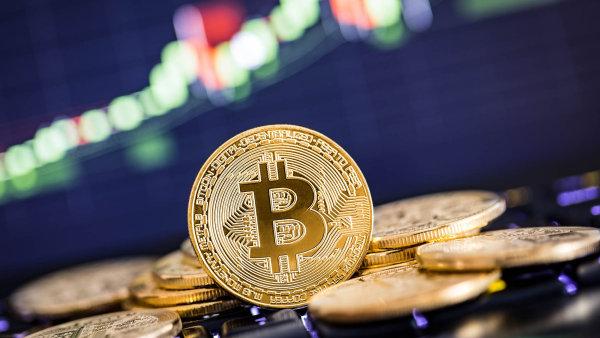 S prudkým růstem ceny bitcoinu, jež za poslední rok vyskočila na dnešních 4000 dolarů, přitahuje tento svět stále více drobných investorů amatérů.