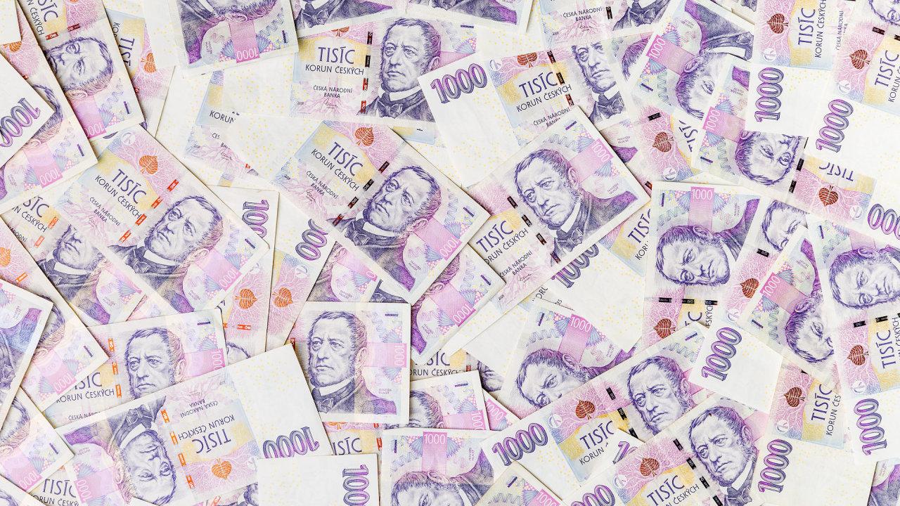 Můj přítel si chtěl s místními spolustolovníky trochu zažertovat a prohlásil, že jsem zástupcem určité firmy, která vám do hodiny půjčí deset tisíc korun.