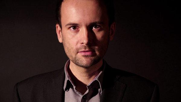 Demokracie stojí na hledání kompromisů tam, kde jsou možné, říká psycholog Dalibor Špok.
