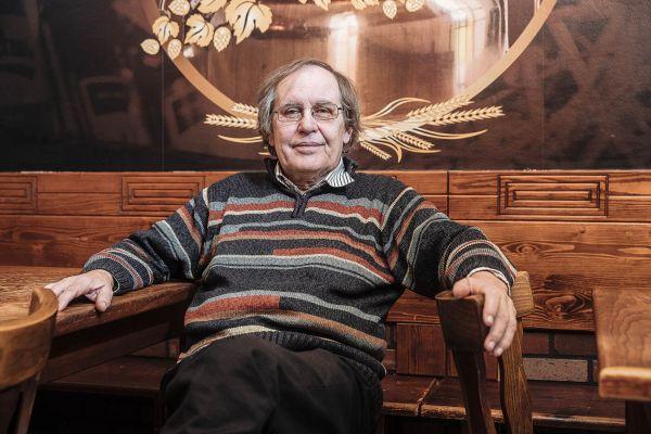 Zakladatel Kácovského klubu české hospodské kultury Pavel Velíšek. Fotografování povolil jen bez přítomnosti dalších členů.