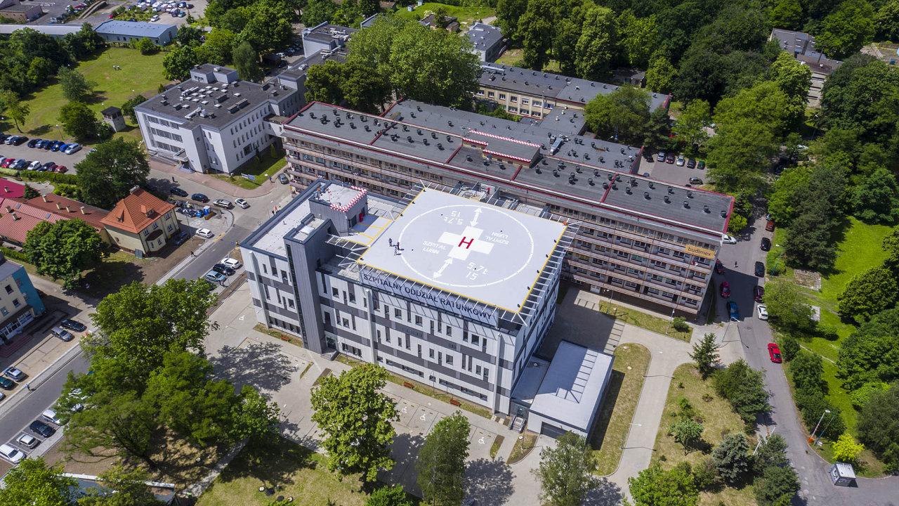 EMC Instytut Medyczny. Jde onejvětšího provozovatele soukromých nemocnic aambulancí vPolsku.