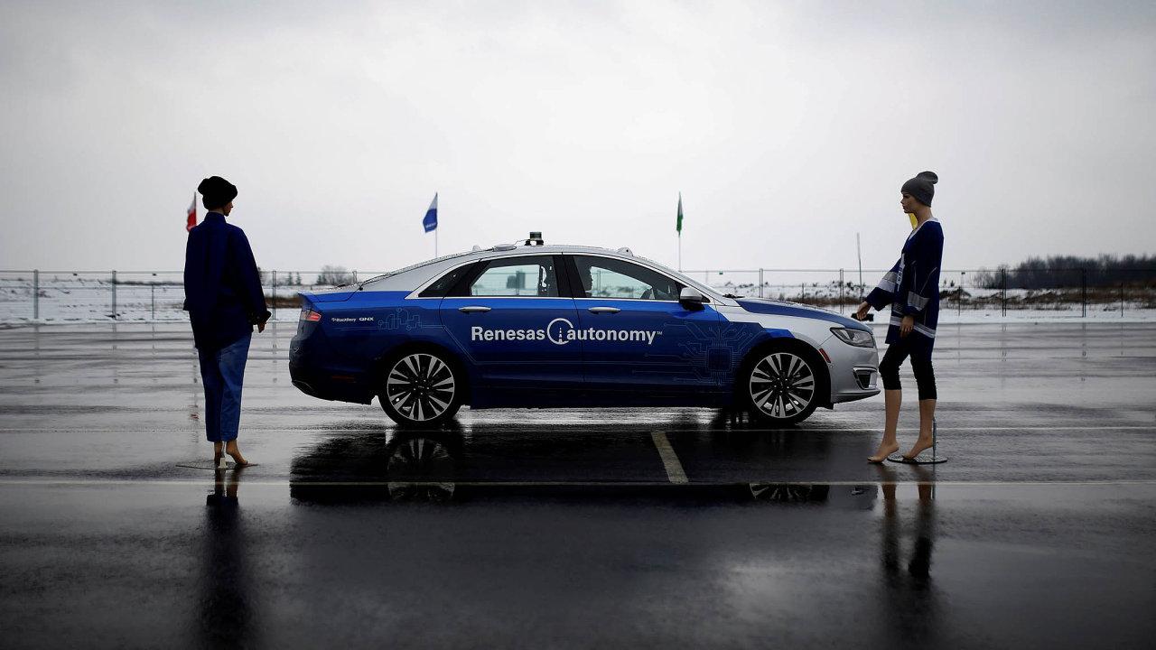 Celosvětově je testovacích okruhů pro auta nedostatek. Běžné čekací lhůty jsou iněkolik měsíců.