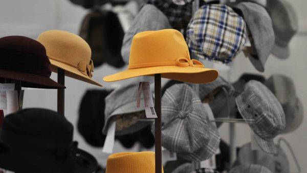 Česká firma Tonak se vrátila k původní značce v době, kdy jsou pokrývky hlavy opět v módě. Experiment vyšel, klobouky si zájemce našly