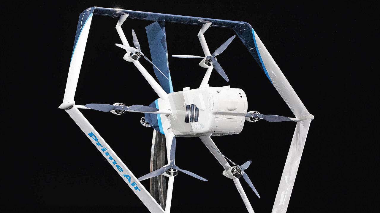 Dron má maximální nosnost 2,3 kilogramu