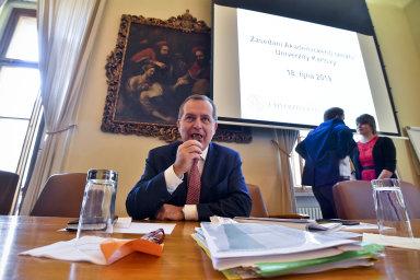 Rektor UK Tomáš Zima