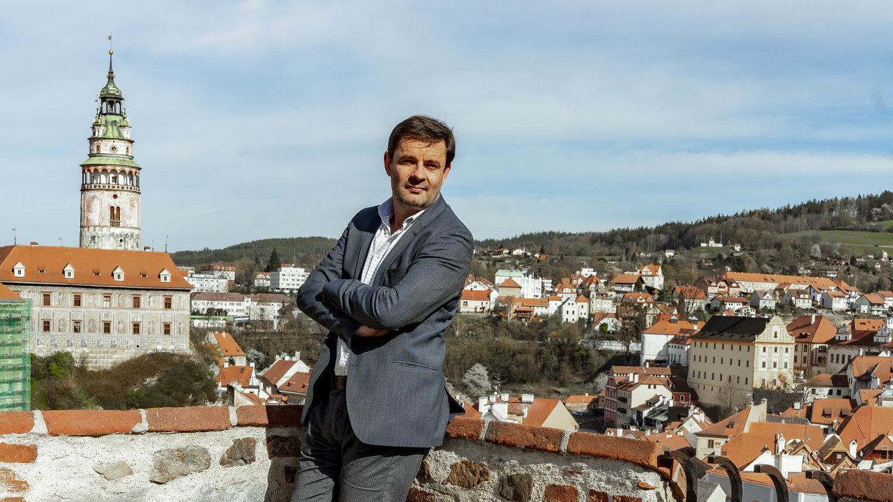 Ve svém městě. Českokrumlovský místostarosta Martin Hák ve městě podnikal, nyní jej pomáhá řídit z radnice.