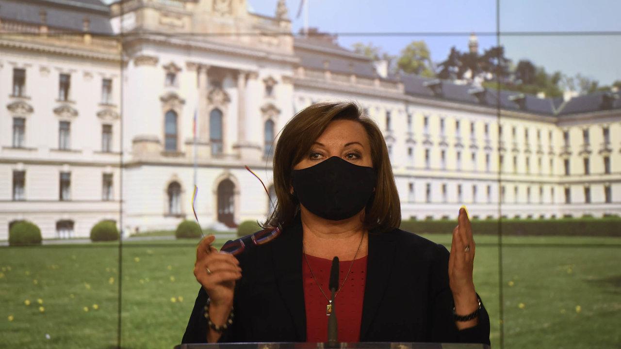 Ministryně financí Alena Schillerová (zaANO) trvá na svém - na státní pomoci podnikatelům se nedobrovolně mají podílet obce.