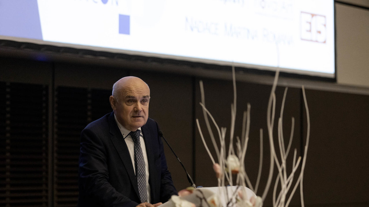 Kybernetik Vladimír Mařík (nasnímku) navrhuje, aby se Česko vbudoucnu spolehlo hlavně narozvoj pokročilých technologií.
