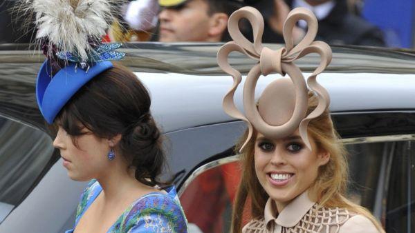 Princezna Beatrice (na snímku vpravo)