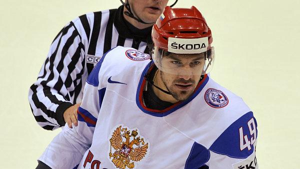 Ruský hokejista Jevgenij Arťuchin
