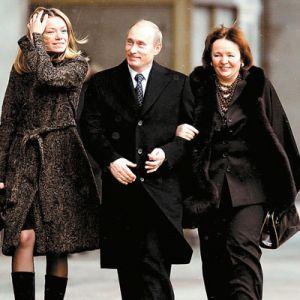 Maria Putinov� se sv�mi rodi�i