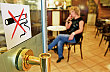 Kou�en� v restauraci, ilustra�n� foto