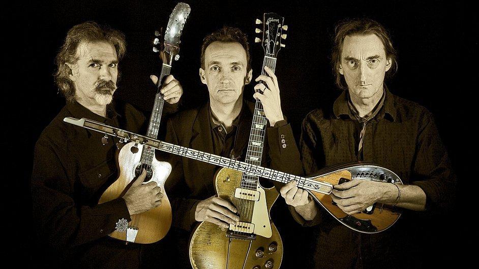 Svoji žánrově mnohotvarou hudbu vezou Les Triaboliques do Prahy podruhé.