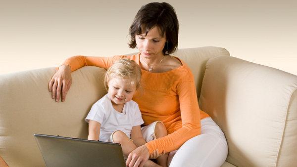 Matka s dítětem. Ilustrační foto.