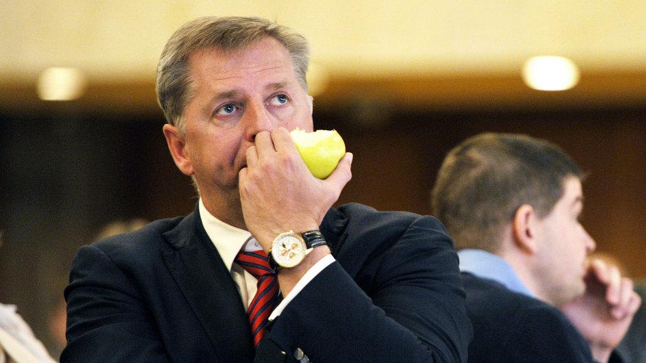 Ministr zemědělství Petr Bendl měl dnes jednat o kvalitě potravin s polským ministrem. Ten schůzku na poslední chvíli zrušil