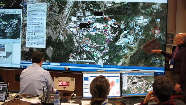 Systém od společnosti GINA (na velké obrazovce jeho testování ve výzkumném centru v italském městě Ispra) bude využívat i OSN.
