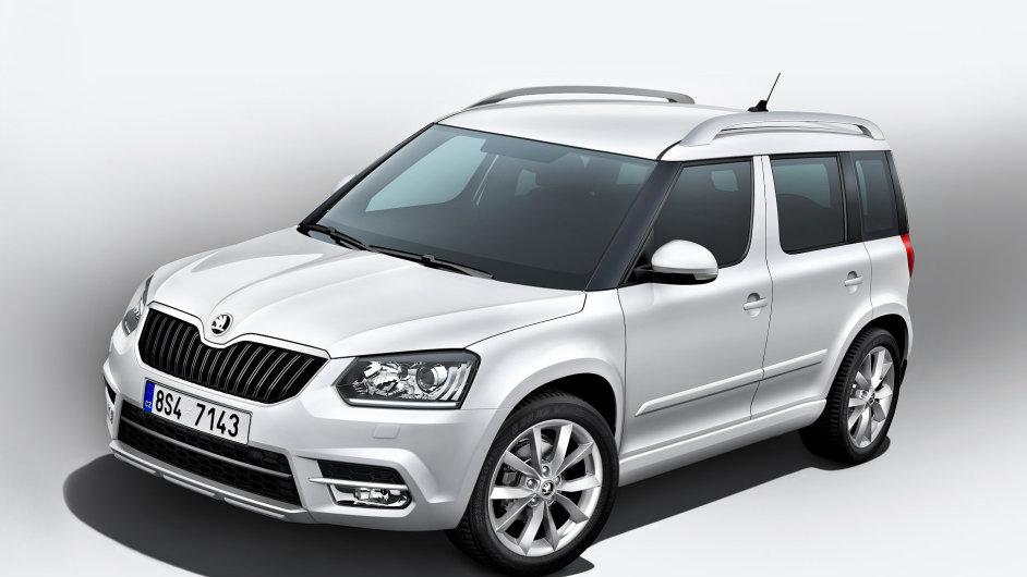 Nedávno modernizovaná Škoda Yeti v základní verzi bez ochranného oplastování karoserie.
