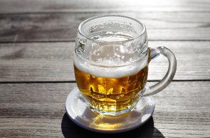 Jak Češi pijí pivo? U mužů spotřeba mírně klesá, u žen naopak roste, ukázal průzkum