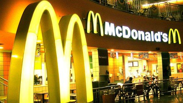 St�nost upozor�uje na to, �e McDonald�s nep�im��en� kontroluje sv� fran��zanty - Ilustra�n� foto.