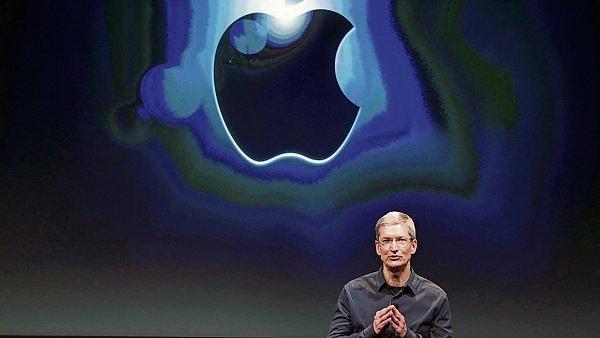 """SPECI�L: Nov� iPhone je v �esku. Kam sah� """"jable�n� sv�t"""""""
