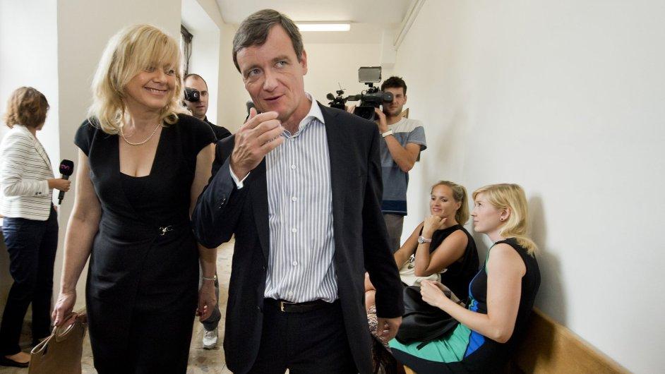 David Rath se svou obhájkyní Marcelou Ondřejovou.