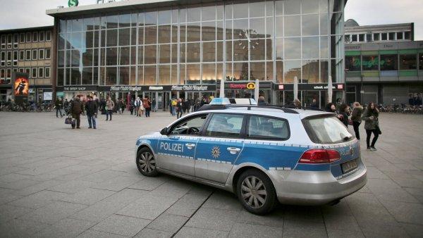 Policie vyšetřuje sérii silvestrovských útoků.