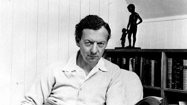 Dvouaktovou operu Zneuct�n� Lukrecie slo�il Benjamin Britten (na sn�mku z roku 1968) v roce 1946.